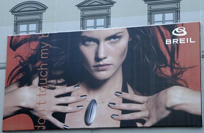 Billboard adjacent to the Duomo, downtown Firenze